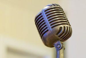 Elvis-microphone-TheTravel100-2103