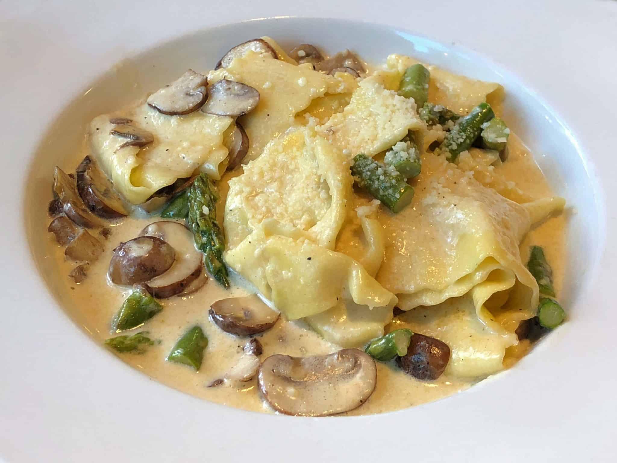 puglia_italy_pasta_asparagus_mushrooms